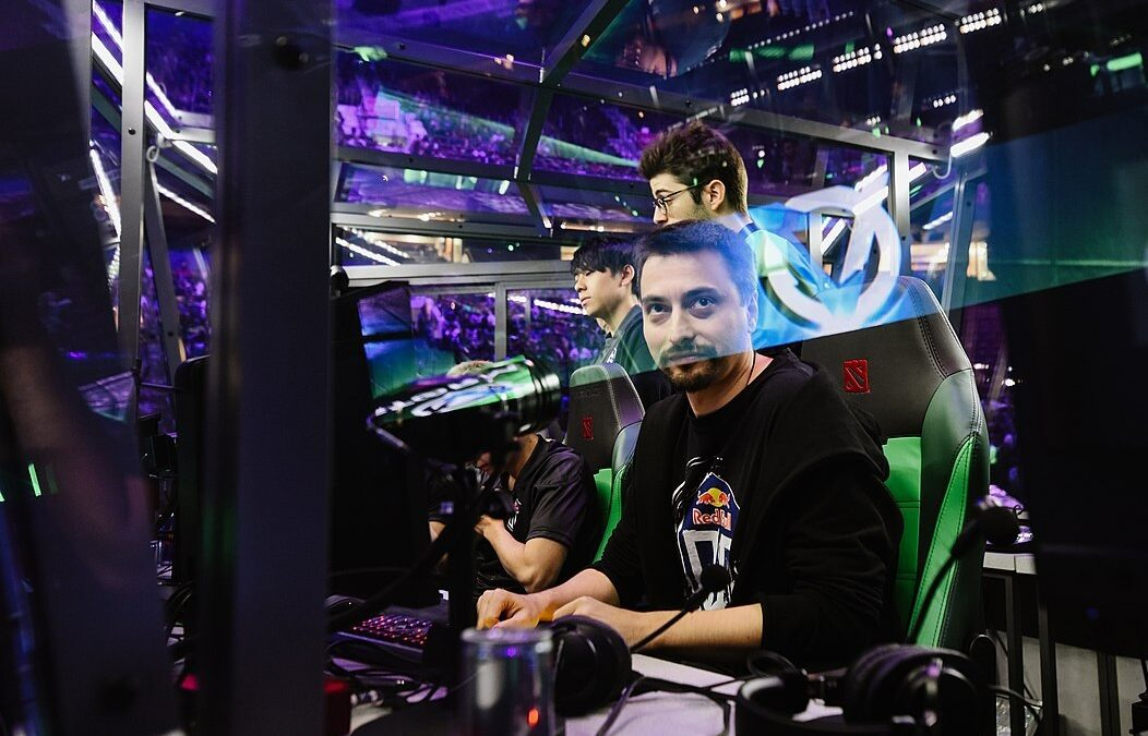 Understanding Esports: Everything You Need To Know About Dota 2